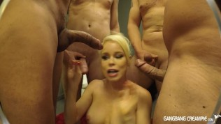 Blonde Spinner gets blowbanged and takes a shower