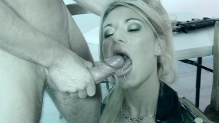 Babe In Heat - Bluebird Films