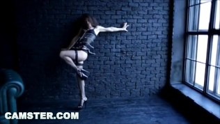 CAMSTER - Cam model does a slow, erotic dance for her fans