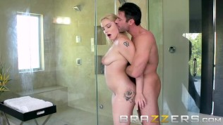 Hot Busty Teen Gets Fucked In The Bathroom - Brazzers