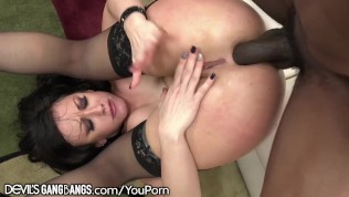 Jennifer White Moans for BBC's in All her Holes!