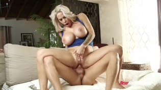 Alyssa Lynn Fucks Hung Stepson