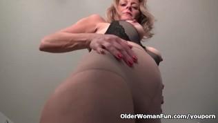 American milf jayden matthews gets turned on in pantyhose 3