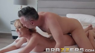 Brazzers - Bath time with Brandi Love