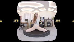 Virtualpee - Kinky redhead soaks her clothes in piss