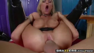 BRAZZERS - Band nerd McKenzee Miles Gets a lesson in tempo from Keiran Lee