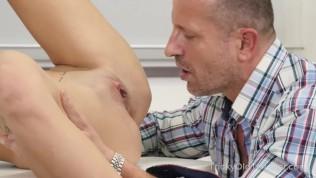 Experienced but kinky teacher seduces his hot student