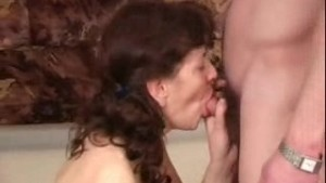 Russian horny mature gets fucked (part 3)