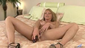 Blonde Milf Shayla Laveaux closeup masturbation