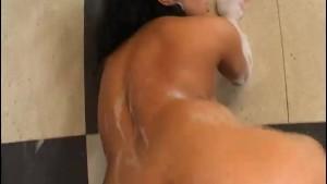 Lesbian Bathtub Scene