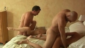 THREE COUPLES SHARE ONE BED – REAL AMATEUR ORGY