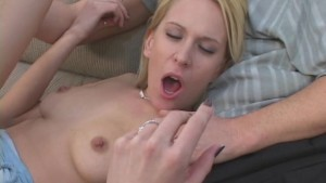 Wife Chooses Stud Over Whimp Hubby