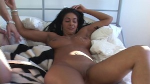 Hot girl cleans up after getting loaded on(clip)