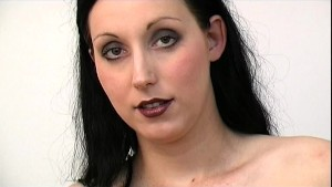 Goth looking girl giving head