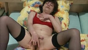 Mature hairy pussy