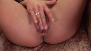 Sunny fucks herself with her toy - CzechSuperStars