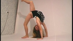 Regina posing for Flexiangels (clip)