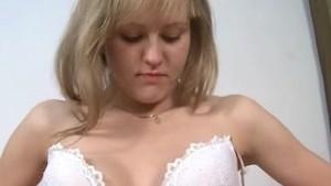 18 y/o Gapes her Vagina in Closeup