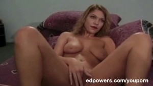 Ed fingers sweet pussy before a hot facial
