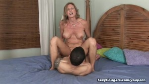 Horny Cougar Jade Fucks Her Personal Trainer
