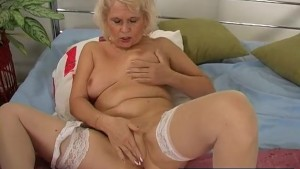 Chubby Granny Cums For You