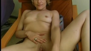 Mature German woman loves cock - Julia Reaves