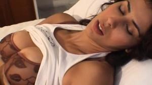 Hot MILF Zahra Clit Stim to Orgasm
