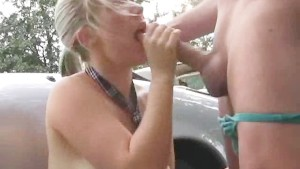 Amateur girlfriend facial cumshot after outdoor fuck