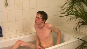 Skinny Teen Jacking Off In The Tub - The French Connection