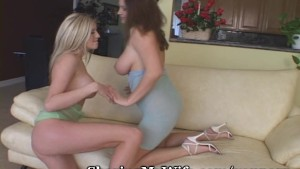 Juicy Lesbian Pussy Swap