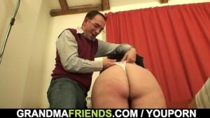 Threesome fun with mature plumper