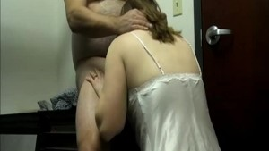 Blowjob before going to bed