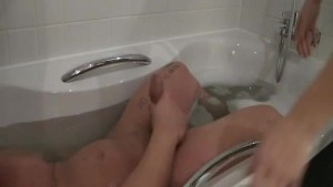 Sexy looking wife joined her guy in the tub