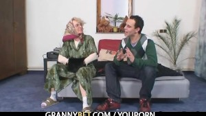 Lonely granny pleases a totally stranger