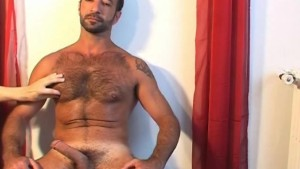 A real arab sport trainer gets wanked his big dick for a gay video !