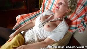 Pantyhosed mom fucks a dildo