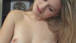 Messy handjob From Honey Cutie Girl