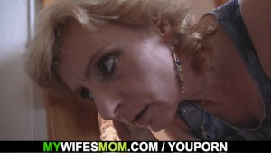 Girlfriends hot mom helps him