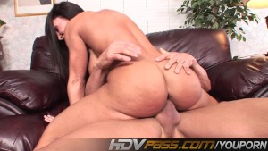Experienced MILF Lisa Ann Riding Cock