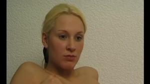 Solo blonde fingering herself - Julia Reaves