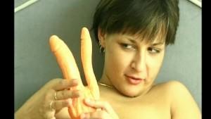 Masturbating MILF - Julia Reaves