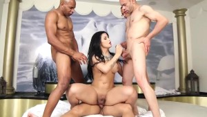 Bruna Butterfly Gangbang Part 3