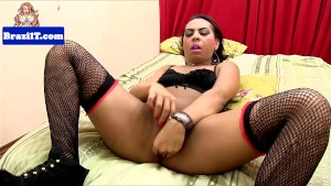 Latina tranny jerking and shows booty off