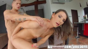 Allinternal Laura receives a pussy creampie