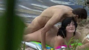 Voyeur caught hard beach sex