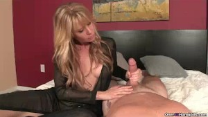 Naughty Milf Knows She Will Get The Cumshot She Needs