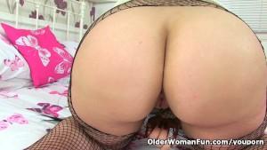 British milf Louise Bassett finger fucks her mature pussy