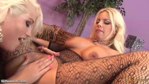 Nikki Phoenix eating wet pussy busty blonde Britney