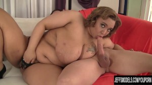 Cute Plumper Uses Her Mouth and Cunt to Please a Cock