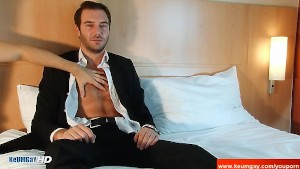 Stephane, Handsome straight banker at your service !